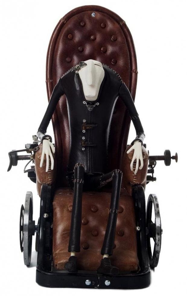 stephane halleux sculpture personnage 09 Les étranges personnages de Stephane Halleux