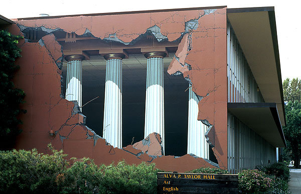 Au mur ... Trompe-oeil-01