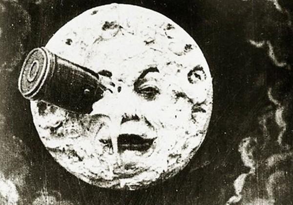 le voyage dans la lune oeil