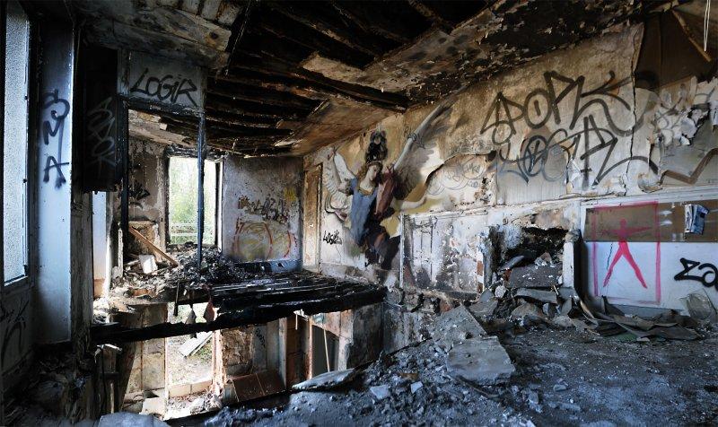 peinture classique grafiti lieu squat abandonne 04 Peintures classiques intégrées dans des lieux abandonnés