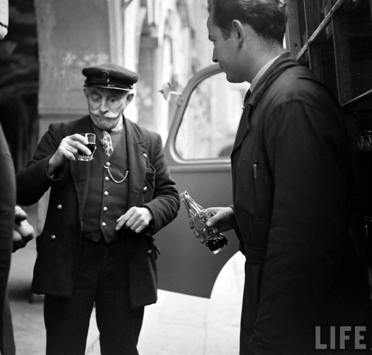 1950 coca cola arrive france 05 1950, Coca Cola arrive en France