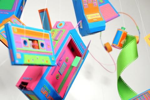 objet-retro-carton-couleur-fluo-01