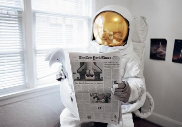 Suicide-Astronaute-01