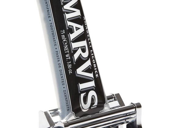 machine-tube-dentifrice