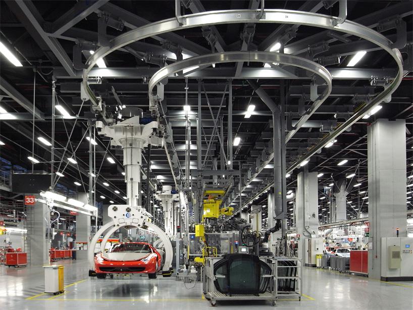 Visite de l'usine Ferrari ! (galerie & vidéo sur Bidfoly.com) By Laboiteverte Visite-usine-ferrari-voiture-interieur-02