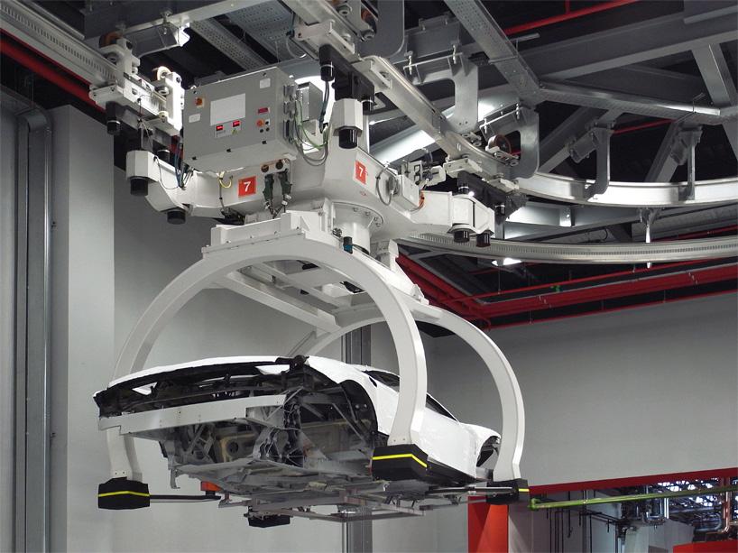 Visite de l'usine Ferrari ! (galerie & vidéo sur Bidfoly.com) By Laboiteverte Visite-usine-ferrari-voiture-interieur-05