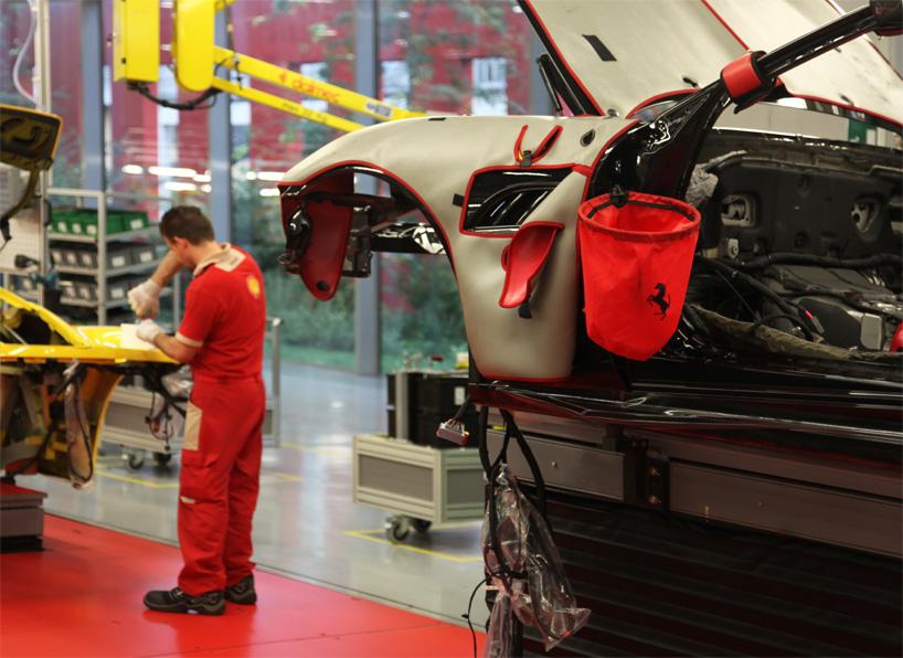 Visite de l'usine Ferrari ! (galerie & vidéo sur Bidfoly.com) By Laboiteverte Visite-usine-ferrari-voiture-interieur-07