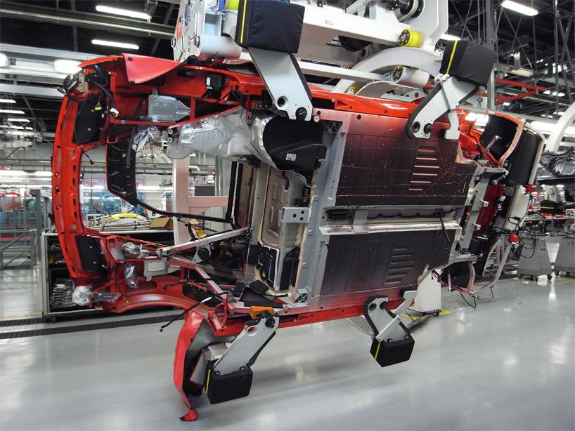 Visite de l'usine Ferrari ! (galerie & vidéo sur Bidfoly.com) By Laboiteverte Visite-usine-ferrari-voiture-interieur-09