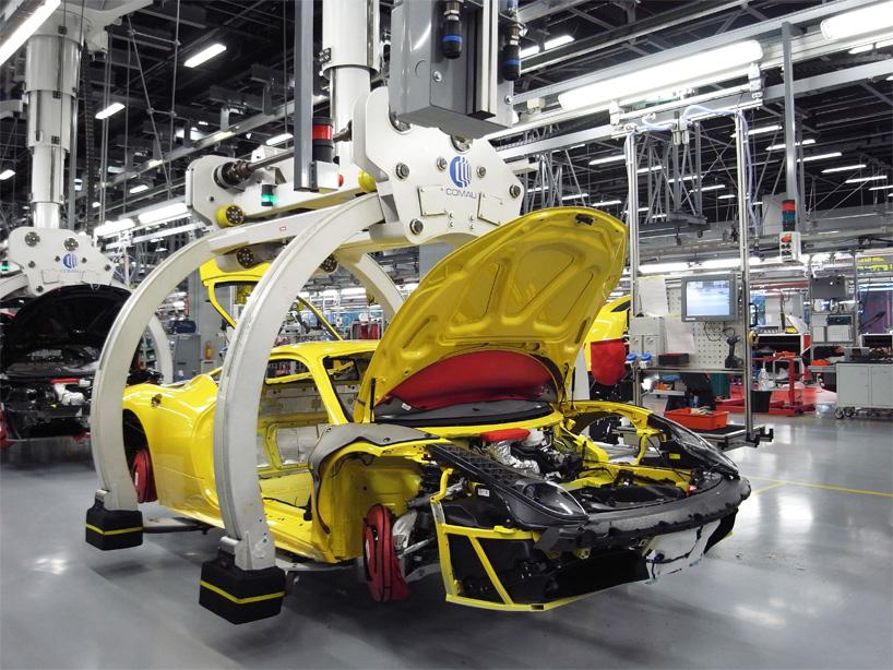 Visite de l'usine Ferrari ! (galerie & vidéo sur Bidfoly.com) By Laboiteverte Visite-usine-ferrari-voiture-interieur-10