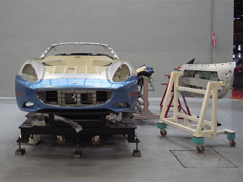 Visite de l'usine Ferrari ! (galerie & vidéo sur Bidfoly.com) By Laboiteverte Visite-usine-ferrari-voiture-interieur-13