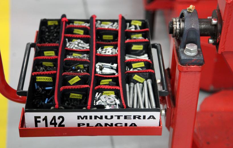Visite de l'usine Ferrari ! (galerie & vidéo sur Bidfoly.com) By Laboiteverte Visite-usine-ferrari-voiture-interieur-15