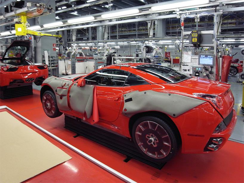 Visite de l'usine Ferrari ! (galerie & vidéo sur Bidfoly.com) By Laboiteverte Visite-usine-ferrari-voiture-interieur-19