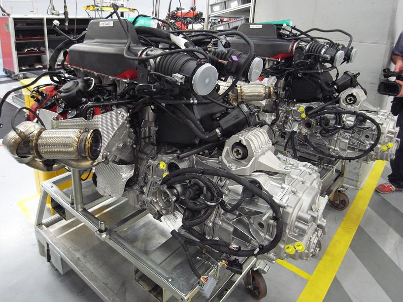 Visite de l'usine Ferrari ! (galerie & vidéo sur Bidfoly.com) By Laboiteverte Visite-usine-ferrari-voiture-interieur-20