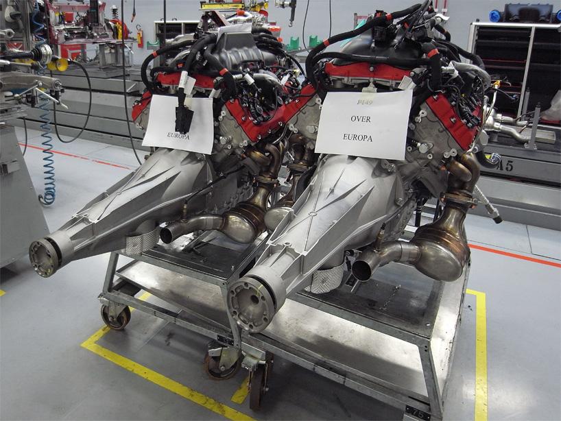 Visite de l'usine Ferrari ! (galerie & vidéo sur Bidfoly.com) By Laboiteverte Visite-usine-ferrari-voiture-interieur-21