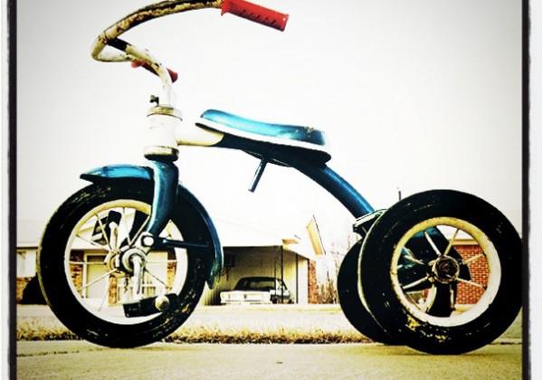01 Instagram - William Eggleston - Tricycle