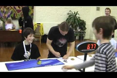 6.77s : record du monde pour résoudre un Rubick's Cube