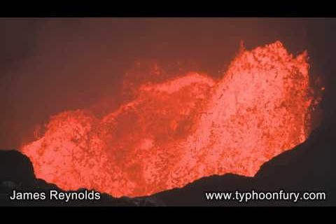 Descendre dans un volcan
