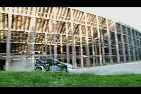 Ken Block Gymkhana THREE à l'Autodrome en France
