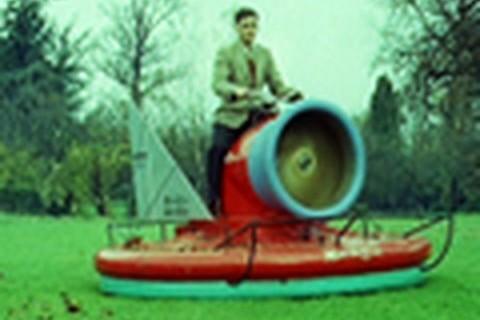 Prototype de scooter aéroglisseur en 1960