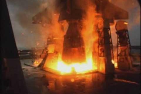 Lancement de Saturn V au ralenti