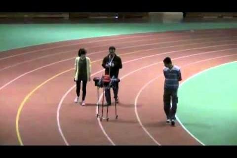 Un robot qui marche 65 km