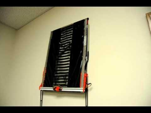Un robot électroadhesif qui monte au mur