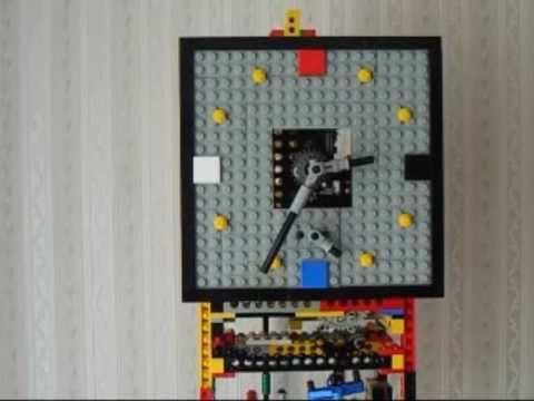 Une pendule entièrement en Lego