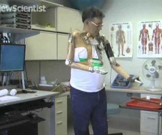 Une prothèse robotique contrôlée par la pensée