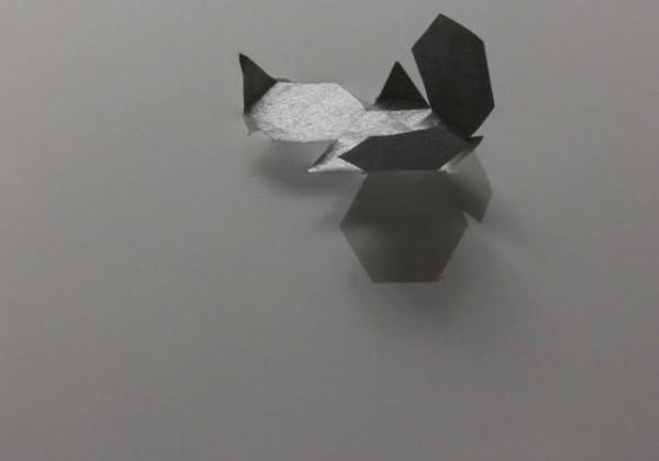 Une flottille d'origamis mouvants