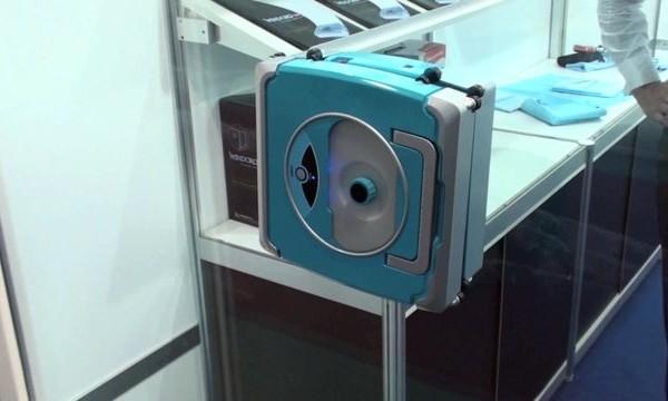 Un robot Roomba pour laver les vitres
