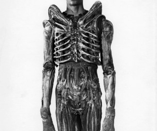 Bolaji-Badejo-acteur-alien-film
