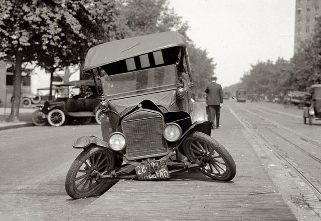 vintage-ancient-accident-fail-01