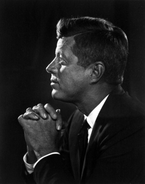 http://www.laboiteverte.fr/wp-content/uploads/2011/09/yousuf-karsh-15.jpg