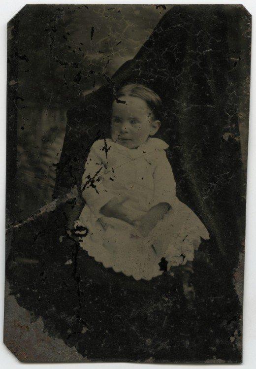 Les mères cachées des portraits anciens Maman-cache-vieille-photo-11