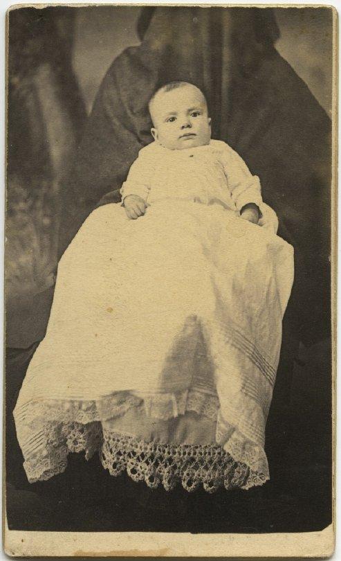 Les mères cachées des portraits anciens Maman-cache-vieille-photo-13