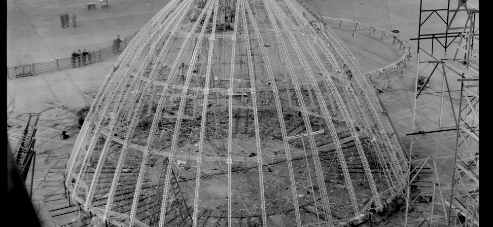 construction-dirigeable-USS-Akron-porte-avion-17