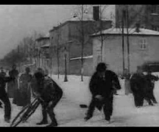 Bataille de boules de neige par Louis Lumière en 1896