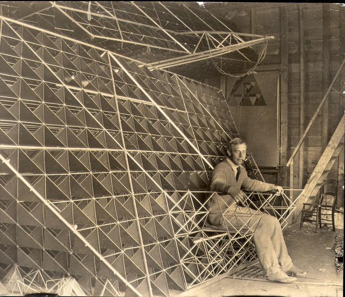 avion tetraedrique histoire 01 Avions et cerf volants tétraédriques