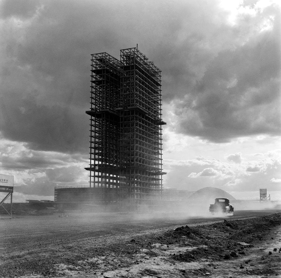 Ca s'est passé en octobre ! Brasilia-construction-Marcel-Gautherot-02