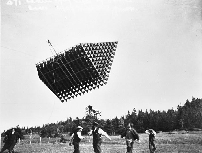 cerf volant tetraedrique histoire 02 Avions et cerf volants tétraédriques