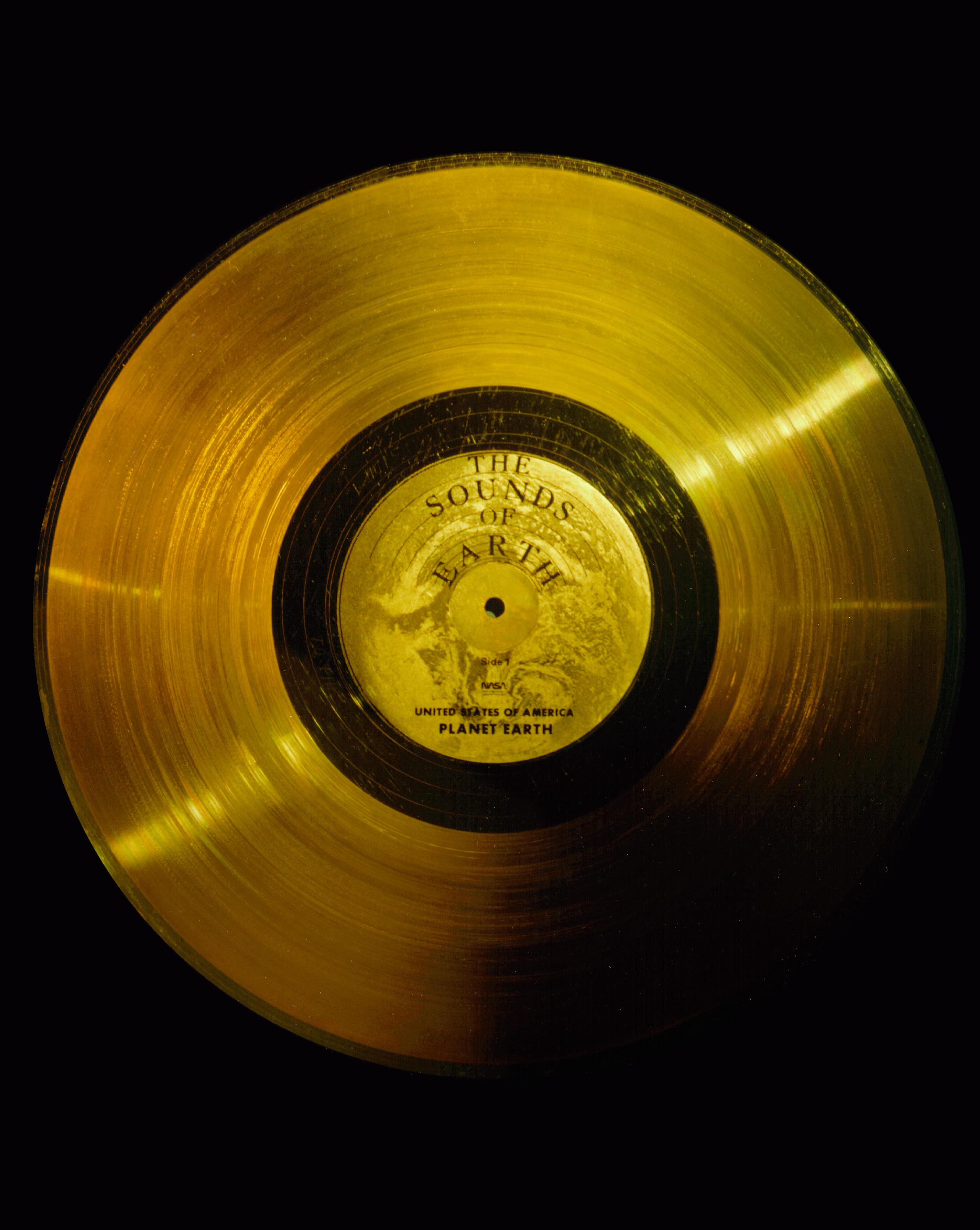 voyager golden record 02 Le Voyager Golden Record : Comment se présenter aux extraterrestres ?