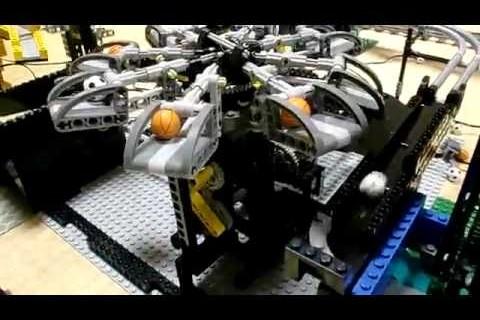 Une machine inutile en Lego