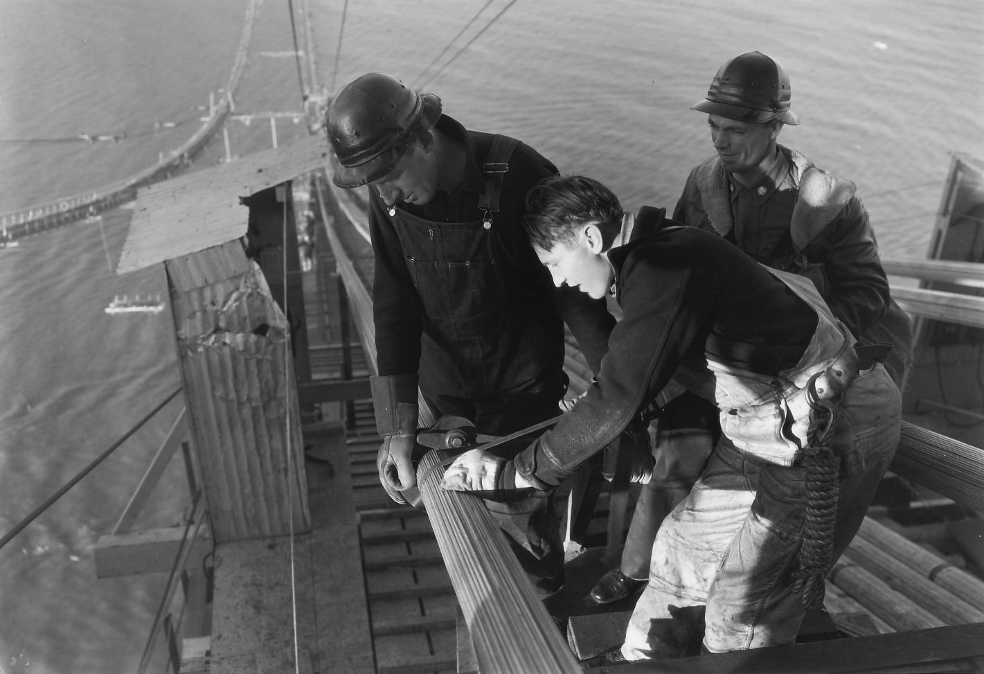 La construction du Golden Gate Bridge de San Francisco ! By Laboiteverte Construction-Golden-Gate-Bridge-13