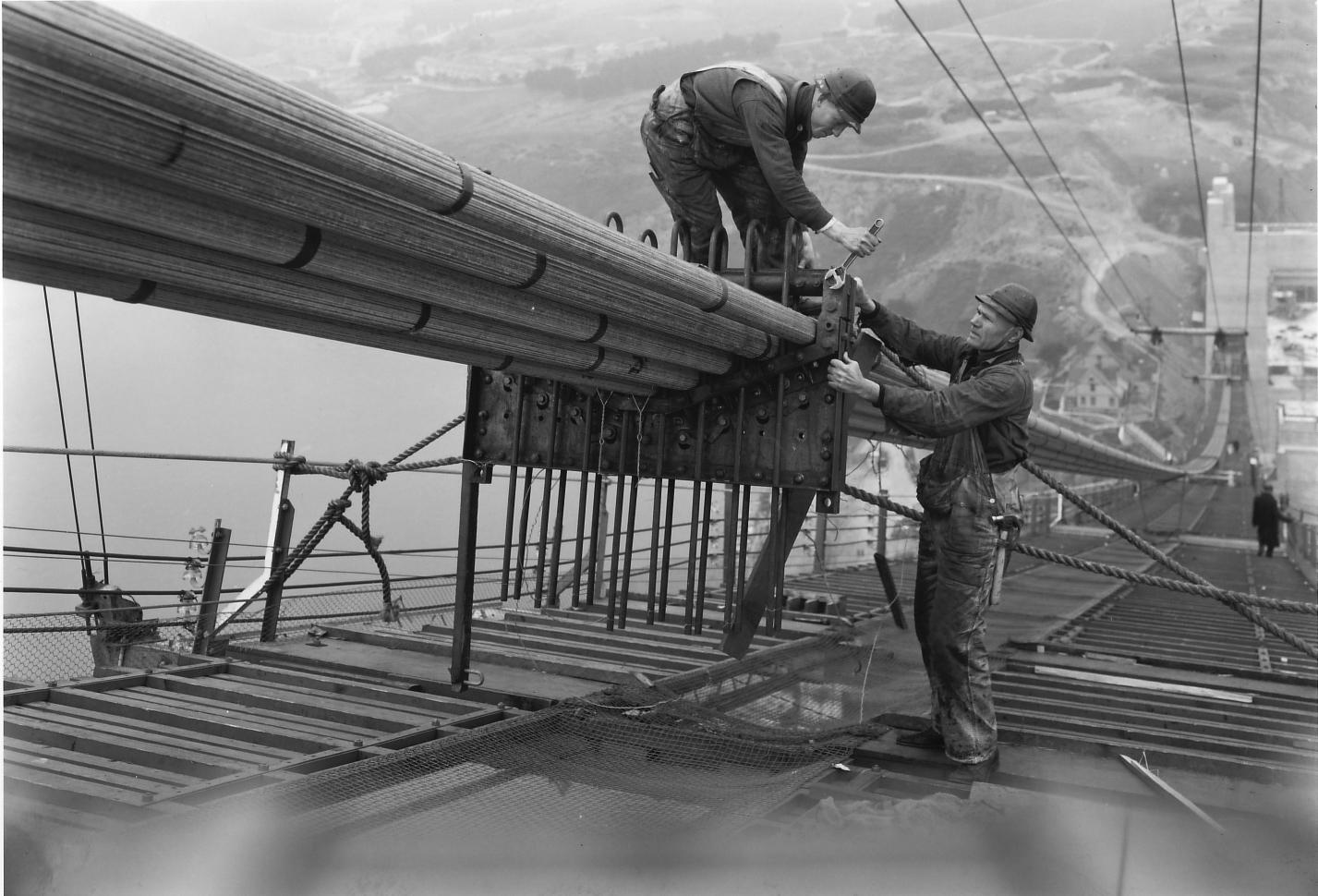 La construction du Golden Gate Bridge de San Francisco ! By Laboiteverte Construction-Golden-Gate-Bridge-14
