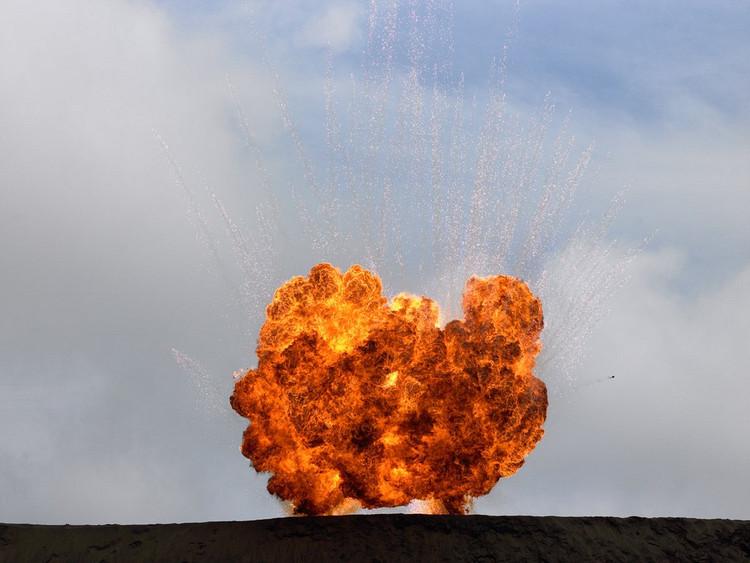 explosion 03 Les explosions de Geoffrey H. Short
