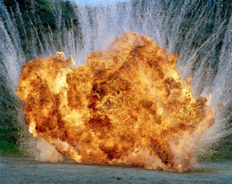 explosion 05 Les explosions de Geoffrey H. Short