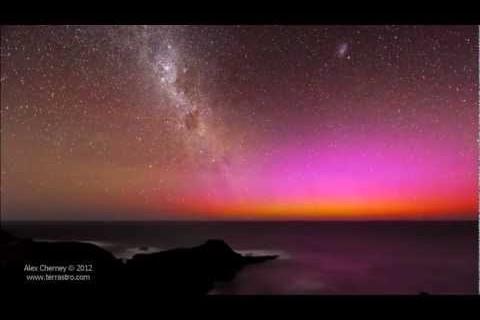 Une aurore australe rouge en Australie