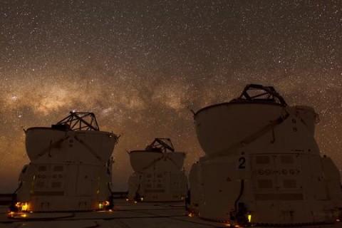 Dans les télescopes du désert de l'Atacama