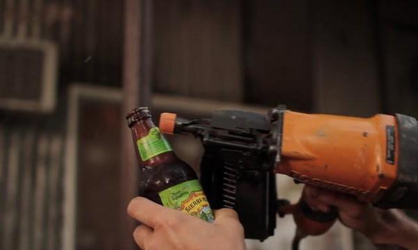 Comment ouvrir une bouteille sans décapsuleur