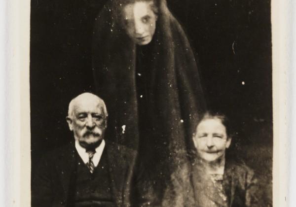 photo-ancienne-esprit-fantome-01